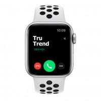 Apple Watch Series 6 Nike+ GPS, 40mm, корпус из алюминия серебристого цвета, спортивный ремешок цвета «чистая платина/чёрный»