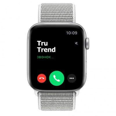 Apple Watch Series 4 GPS, 44mm, корпус из алюминия серебристого цвета, спортивный браслет (Sport Loop) цвета «белая ракушка»